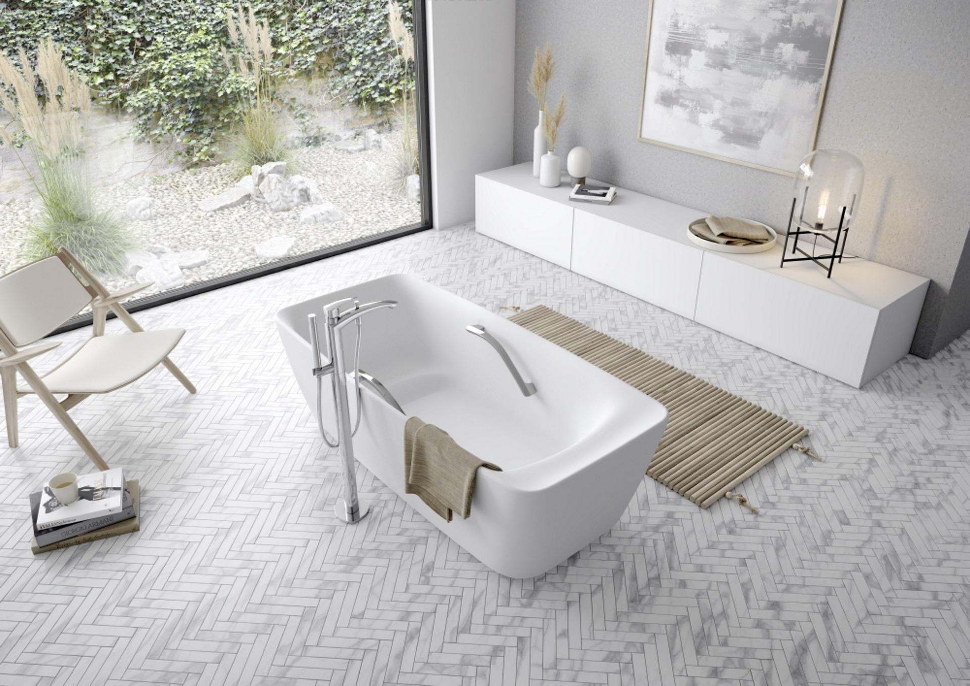 Abbildung klassisches Badezimmer von TOTO mit freistehender Badewanne