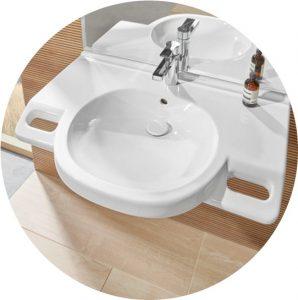 Barrierearmes, modernes Waschbecken/Waschtisch für ein barrierefreies Badezimmer