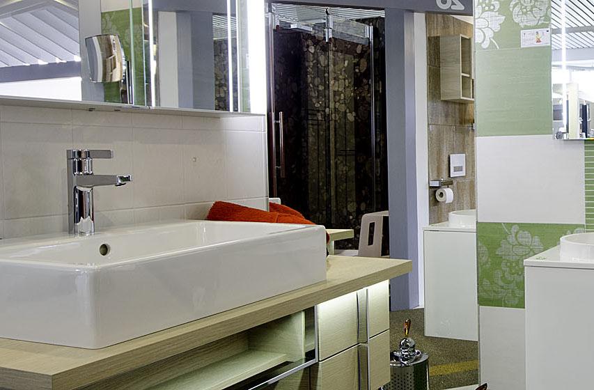 Abbildung Waschbecken und Armaturen in der Lumina Badausstellung Alsfeld