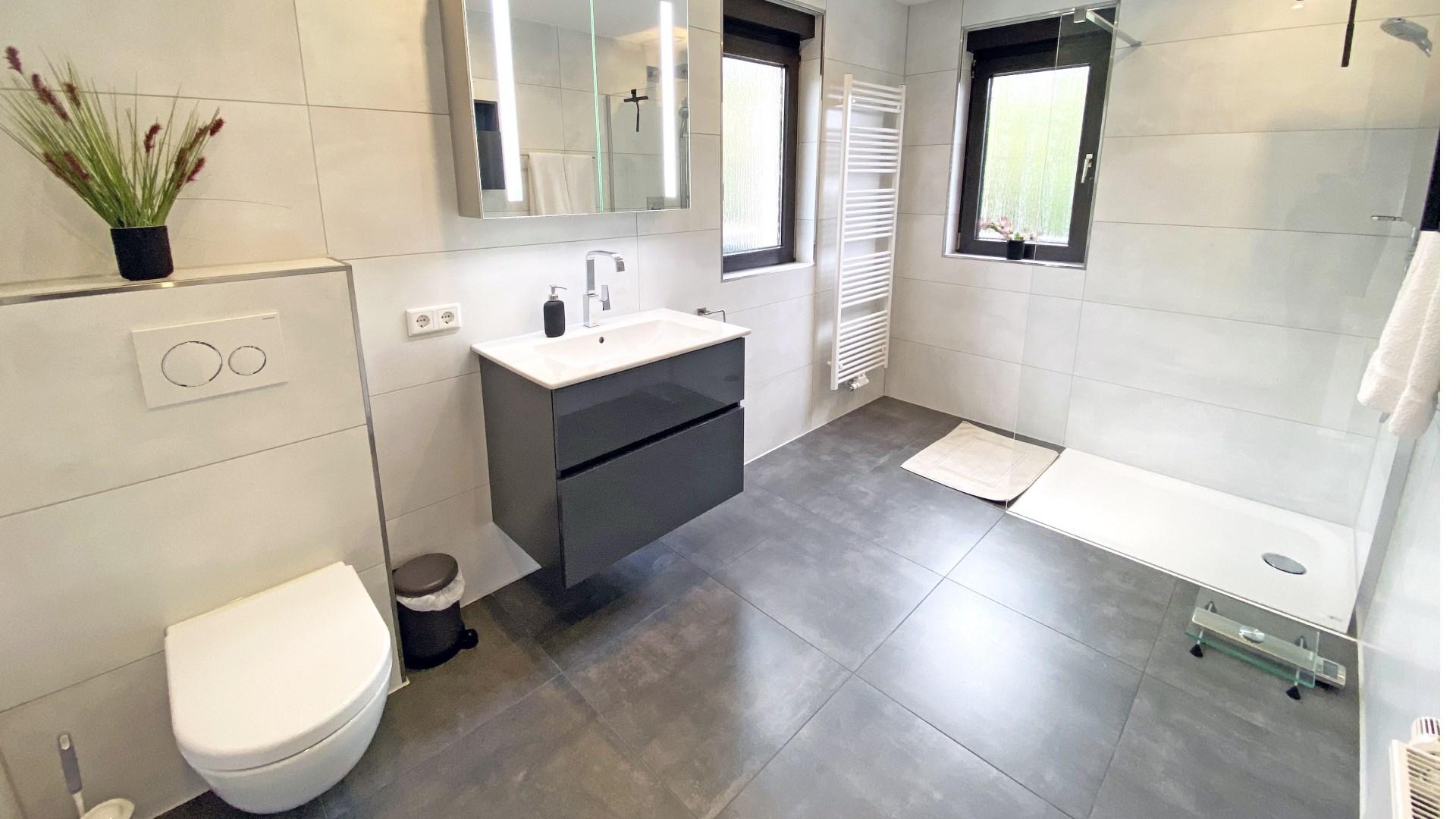 Badezimmer nach der Gestaltung durch Lumina