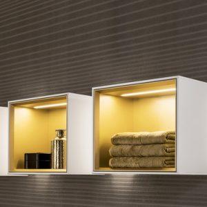 Abbildung Badezimmer indirekte Beleuchtung; Ablage